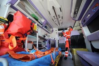 Covid, 3 giorni in ambulanza aspettando il ricovero: l'odissea di un 87enne