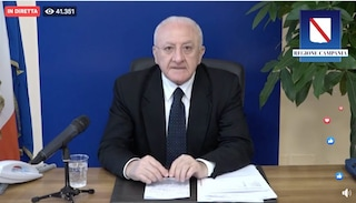 De Luca: in Campania pensioni minime a mille euro per 2 mesi per Coronavirus