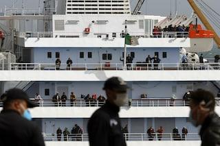 A Salerno lo sbarco dei 105 italiani rimasti bloccati in Africa per l'emergenza coronavirus