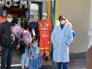Noemi e i suoi genitori all'ospedale Santobono