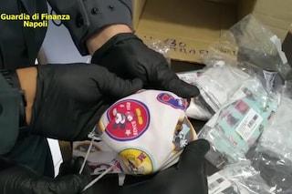 Mascherine false per bambini con loghi di calcio e cartoni animati: maxisequestro a Nola