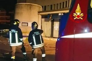 Avellino, esplode una bomba carta davanti al Centro per l'Impiego