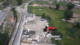 Volla, l'elicottero dei carabinieri scopre parcheggio trasformato in discarica abusiva