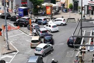 Piazza Mazzini, nessuno rispetta i nuovi sensi di marcia: caos traffico