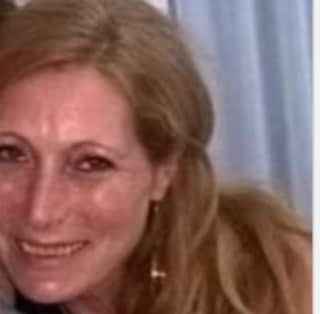Tragedia alla stazione di Recale, Rosa investita e uccisa da un treno a 51 anni