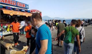 Mascherine obbligatorie in Campania, scontro tra De Luca e de Magistris