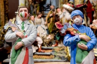 Il simbolo del presepe napoletano da oggi sono medici e infermieri con la mascherina