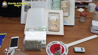 Soldi della droga nei libri di fiabe: arrestato pusher con il Reddito di Cittadinanza
