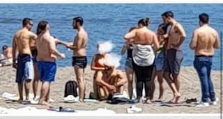 A Bacoli si dovrà prenotare un posto anche sulle spiagge libere