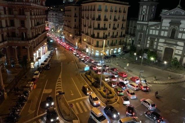 Movida A Napoli Notte Di Traffico E Caos Colpa Di Comune E Regione Che Litigano
