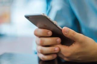 Il pusher avvisa i clienti con un sms che la droga è arrivata: un arresto a Quarto