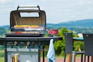 A Napoli scatta il divieto di fumo e barbecue nei giardini fino al 30 settembre