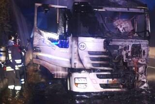 Incidente sulla Napoli-Canosa, camion va a fuoco a Grottaminarda