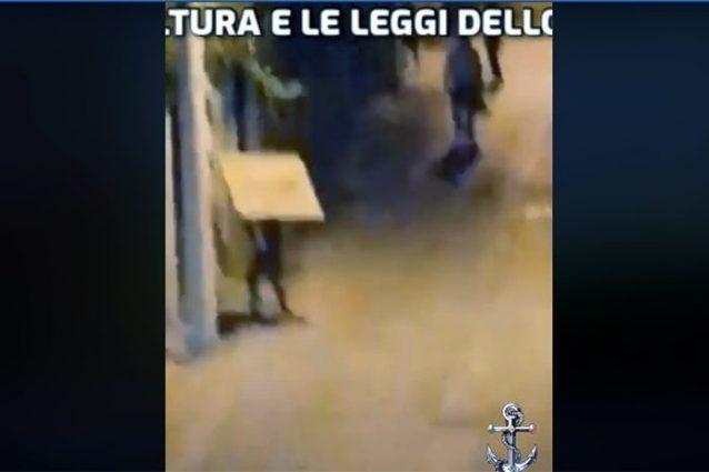 Un fotogramma del video smentito dalla Polizia Municipale di Mondragone