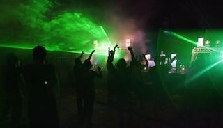 Centinaia di ragazzi pronti alla festa in spiaggia: sventato un rave a Bacoli