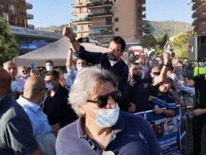 Matteo Salvini arrivato a Mondragone. [Foto / Fanpage.it]