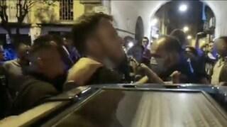 Tensioni con la polizia in piazza Bellini, fermati alcuni ragazzi