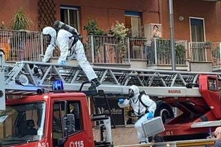 Anziano muore solo in casa al Vomero, il corpo scoperto dopo mesi