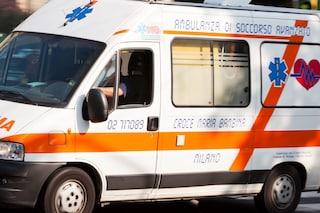 Qualiano, scontro tra due auto: bimba di 4 anni vola dal finestrino e muore