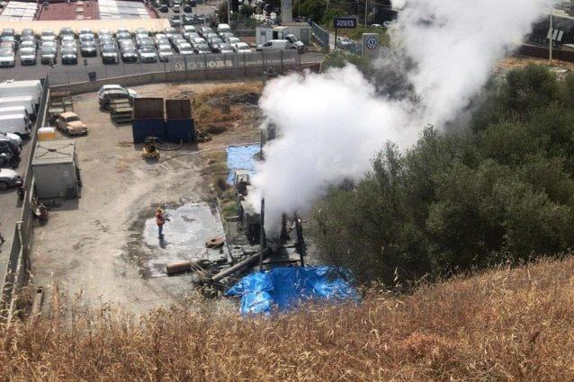 Trivellazione ad Agnano, tensioni alla chiusura del pozzo con fumarola. I comitati chiamano i vigili