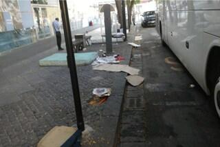 Degrado in piazza Garibaldi, allarme caldo per i senzatetto. I cittadini: intervenga il Comune