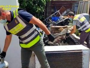Oltre 65 tonnellate rifiuti pericolosi abbandonati terreno Nola