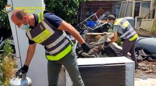 Oltre 65 tonnellate di rifiuti pericolosi abbandonati su un terreno di Nola