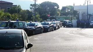 Polizia e carabinieri in strada contro la camorra, non per blindare Salvini a Mondragone