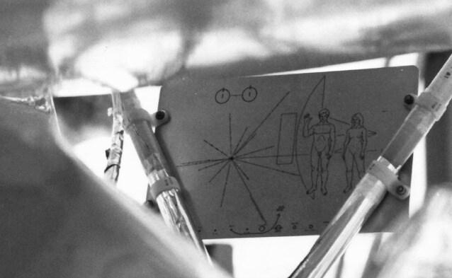 La placca montata sulla sonda Pioneer 10