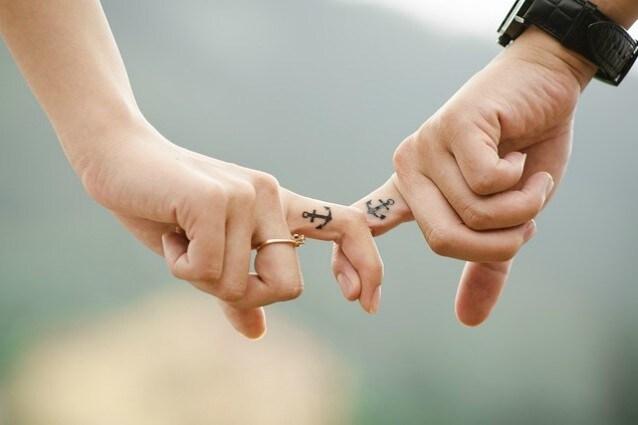 Traditore o fedele? Lo puoi scoprire guardando le dita (più o meno)