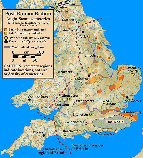 """Ricostruzione degli insediamenti del V secolo degli Angli e dei Sassoni attraverso i loro cimiteri: si evidenza la localizzazione delle popolazioni germaniche in precise aree. Altrove sarebbero sopravvissute """"intatte"""" le popolazioni celtiche: ma adesso sappiamo che le cose non stanno realmente così (immagine via Wikipedia)"""