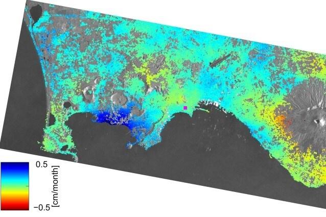 Immagine delle deformazioni della superficie rilevate grazie a Sentinel–1 Fonte: Copernicus data (2015)/ESA/DLR Microwaves and Radar Institute/INGV/e–GEOS/GFZ–SEOM INSARAP study