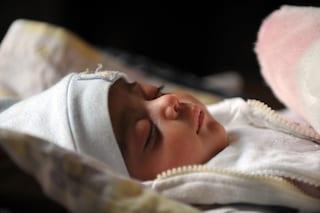 I bimbi che dormono in stanza coi genitori sono più socievoli: sfatato un mito