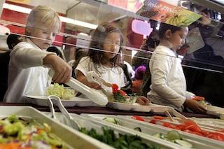 I bambini che si prendono cura di un orto mangiano più verdure