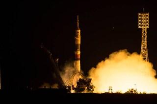 Il lancio della Soyuz: tre astronauti sono giunti nella Stazione Spaziale Internazionale
