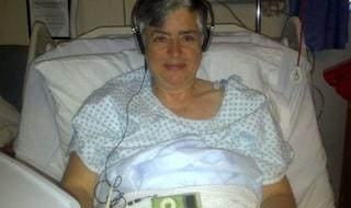 Ascoltare musica durante un intervento chirurgico riduce ansia e dolore