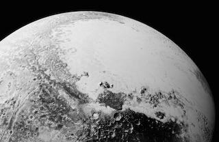 Le nuove spettacolari immagini di Plutone