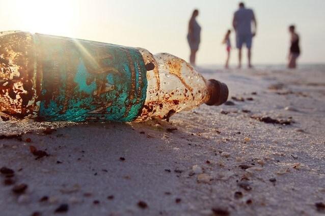 Rifiuti di plastica in mare