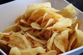 Non riuscite a smettere di mangiare le patatine? È colpa del sale
