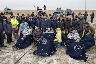 Missione compiuta, Scott Kelly e Mikhail Kornienko tornano sulla Terra