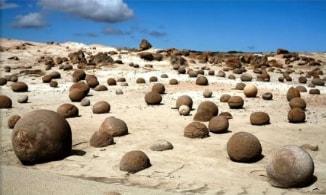 Rocce sferiche nella Valle della Luna, Argentina. Credit: M & G Therin-Weise Author: M & G Therin Weise