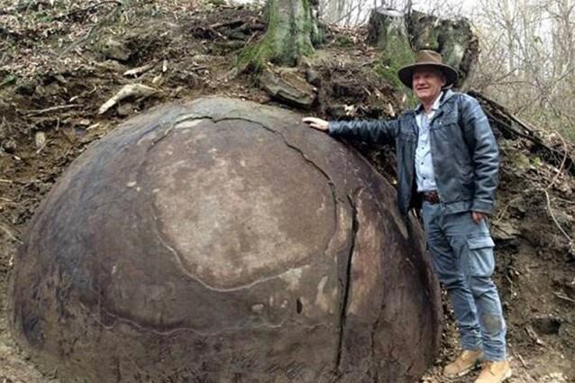 roccia sferica