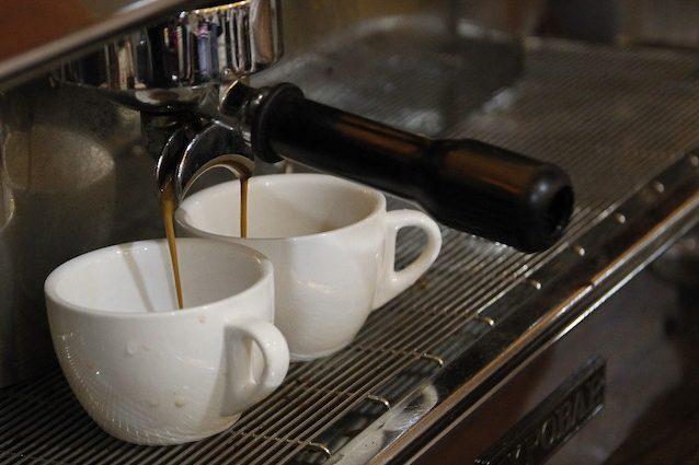 il caffè fa bene alla perdita di pesona