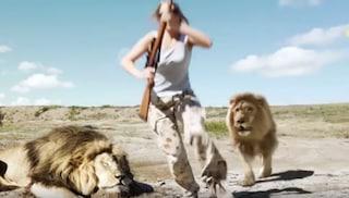 La cacciatrice seguita dal leone vendicativo? Non vi preoccupate per lei