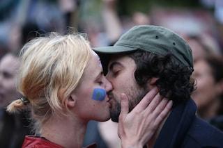 Giornata mondiale del bacio: le 4 teorie scientifiche sull'origine del gesto