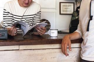 Leggere i romanzi ci rende più socievoli, ecco come e perché