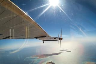 Completato il giro del mondo con energia solare: Solar Impulse 2 ce l'ha fatta