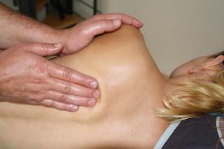 La chiropratica funziona? Cos'è e in cosa consiste un trattamento