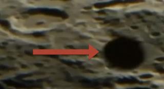 Ufo sulla Luna: alieno (alla realtà) è l'occhio di chi guarda