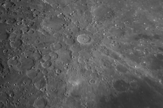 Dettaglio del cratere Tycho